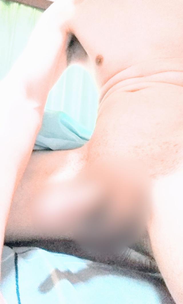 オナニー画像 男 2623番。だいき♂の「パイパン男性は 好きですか?」。